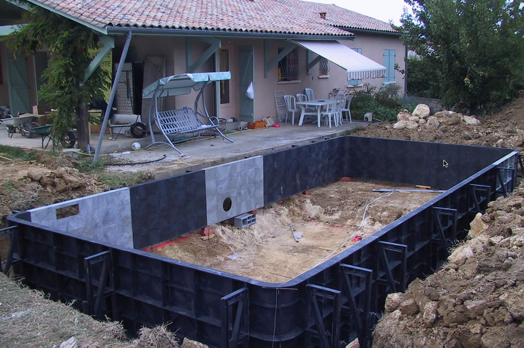 Construction de la piscine protec piscines for Piscine construction